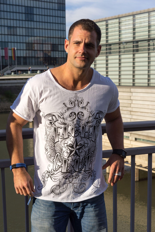 FIGHTCLUB exklusives Tshirt mit lässigem Rundhalsschnitt